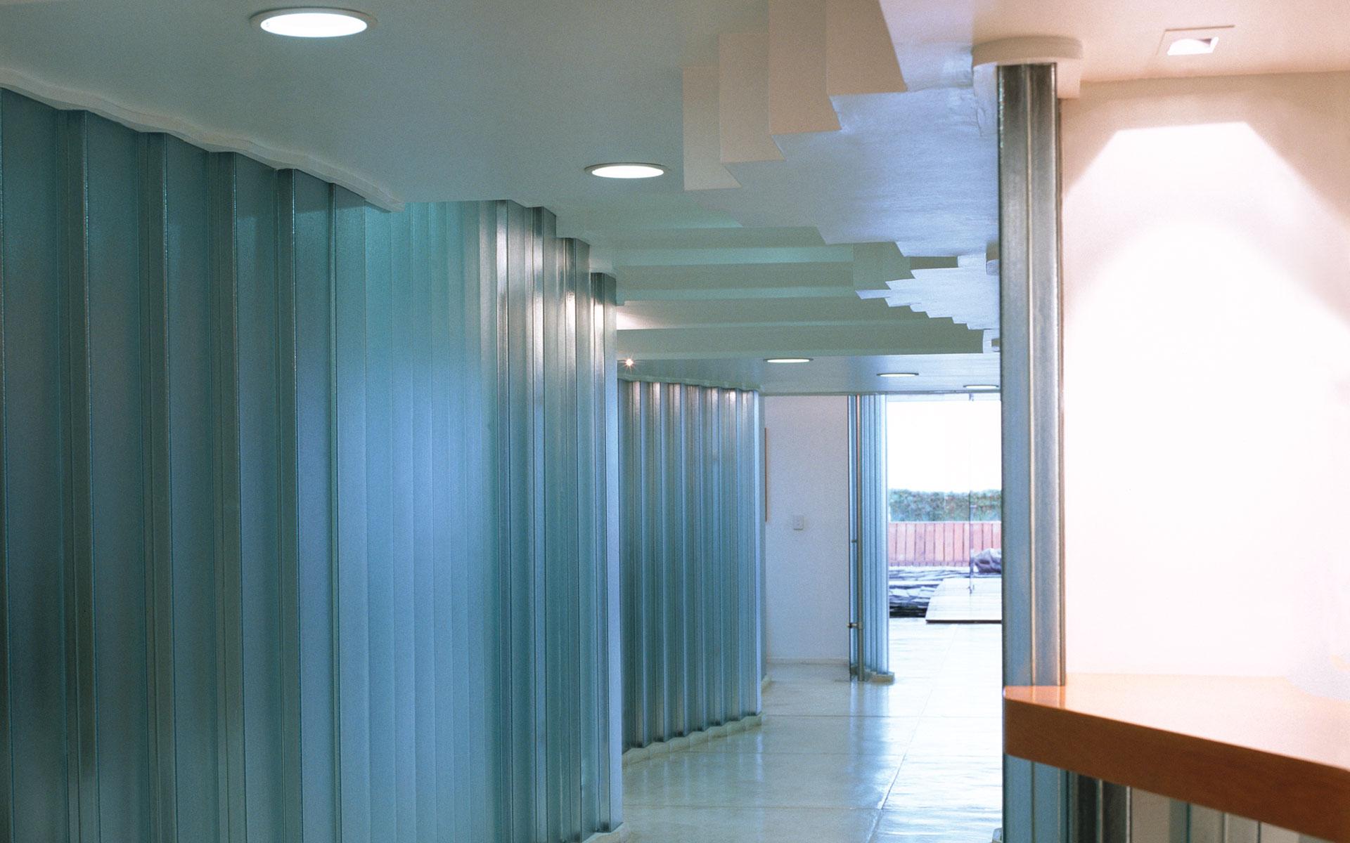 Interior design, office reform, u-glass circulation and patio