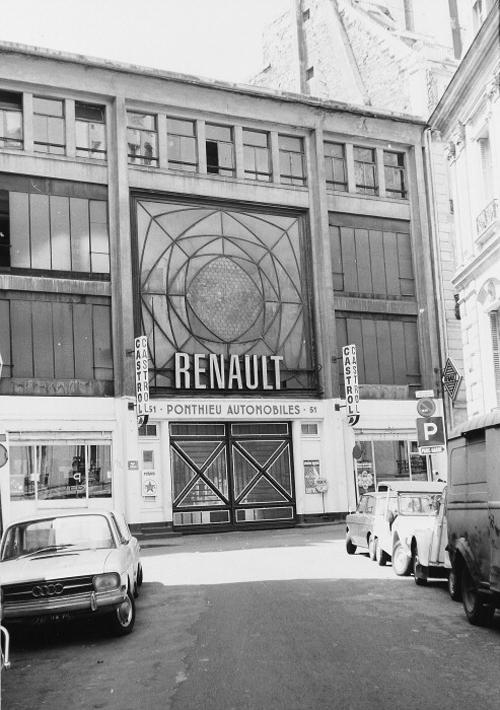 Fachada del Garage Ponthieu (cuando ya era de Renault) del arquitecto Perret