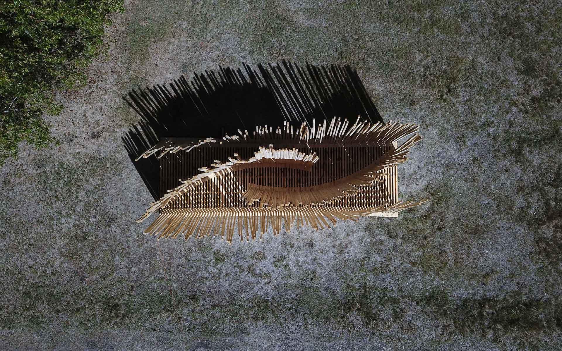 Arquitectura Diseño, Instalación Artistica: Construcción en Madera Vista Area desde drone con sombras